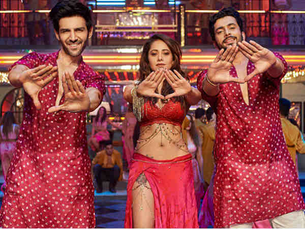 kartik-aryan-will-be-the-latest-entry-to-100-crore-club
