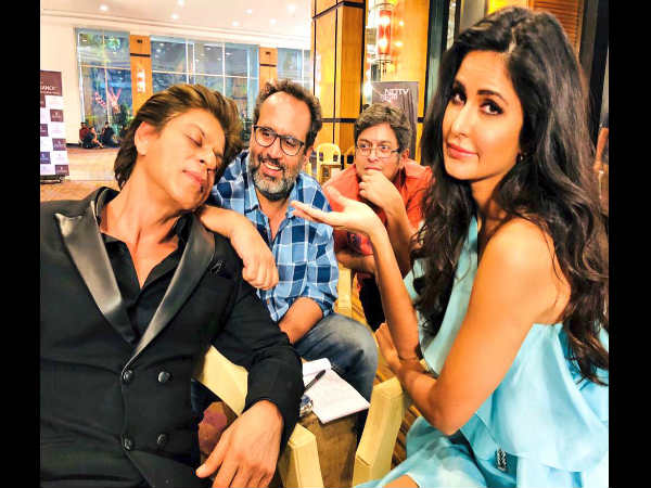 katrina-kaif-is-new-media-manager-shahrukh-khan-new-pic-from-zero-set-is-going-viral