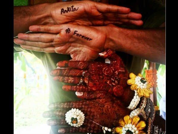 ब्रेकअप की खबरों के बीच धूमधाम से मिलिंद सोमण की शादी, 52 का दूल्हा, 27 की दुलहन