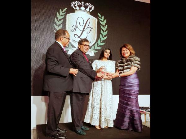 कान्स 2018: श्रीदेवी को हिंदी सिनेमा में योगदान के लिए किया गया सम्मानित, सुभाष घई ने लिया अवॉर्ड