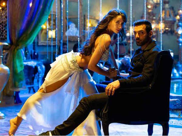 First LOOK: धमाकेदार एक्शन के बीच रोमांस.. शानदार झलक.. अक्षय कुमार से CLASH