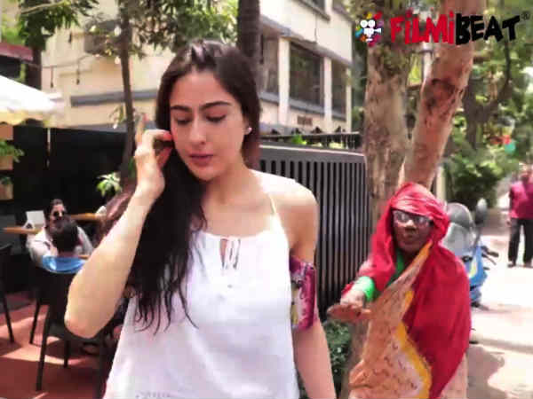 sara-ali-khan-shocking-reaction-when-saw-beggar-asking-food