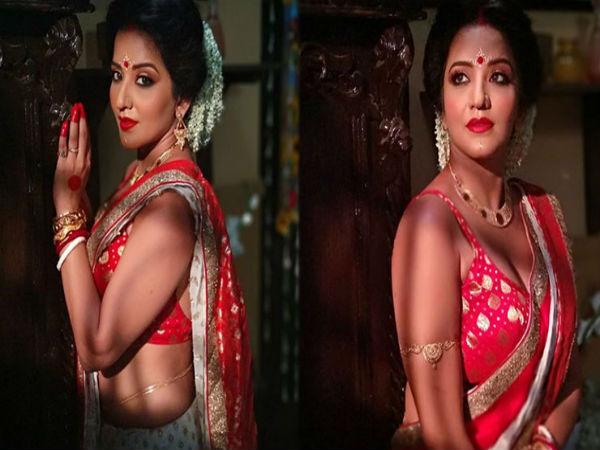 बंगाली दुल्हन बनने के बाद पति के साथ मोनालिसा का सेक्सी Video