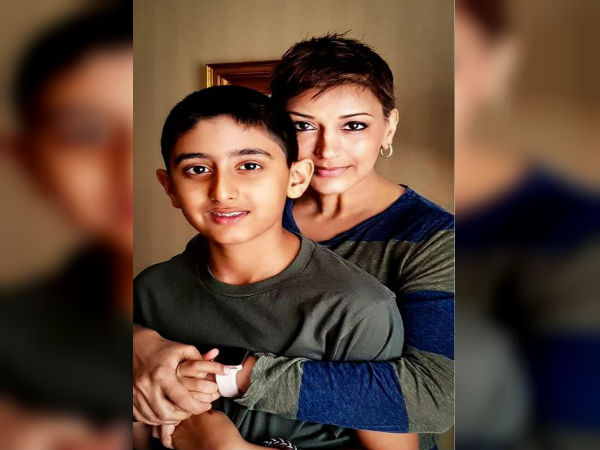 कैंसर से लड़ रही सोनाली बेंद्रे ने 12 साल के बेटे के लिए लिखा इमोशनल पोस्ट