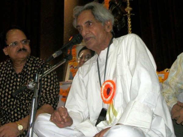 मशहूर कवि और गीतकार पद्मभूषण गोपालदास नीरज का निधन, ऐ भाई ज़रा देख के चलो था सबसे मशहूर गीत
