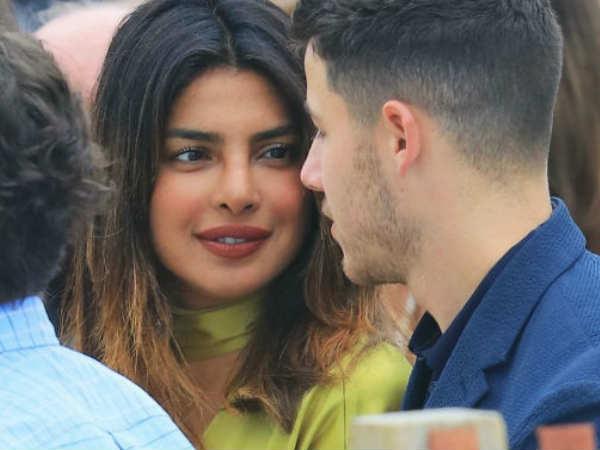 तो सगाई पक्की है- ब्वॉयफ्रेंड के साथ प्रियंका की ये रोमैंटिक Pics, दिल थाम कर देखें