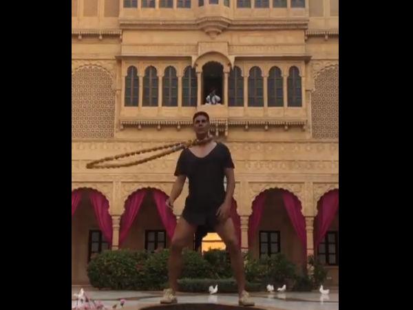 हाउसफुल 4 से वायरल हुआ अक्षय कुमार का खतरनाक Exercise वीडियो