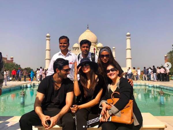 Confirm: सुष्मिता सेन ने ताजमहल में किया प्यार का ऐलान, इस शख्स को कर रही है डेट