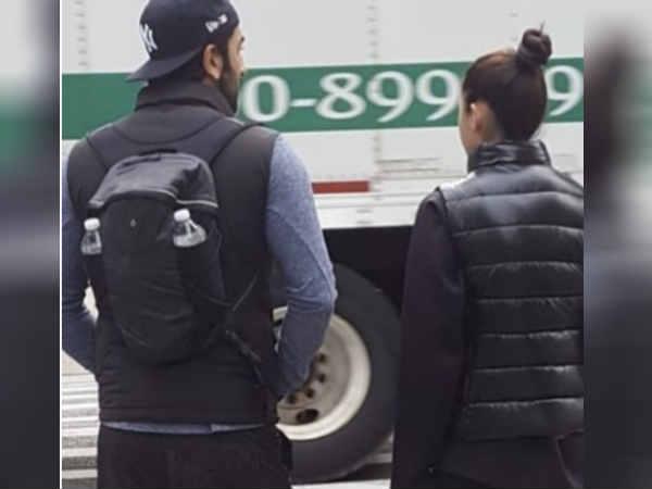 SPOTTED: न्यूयॉर्क की सड़कों पर साथ टहलते दिखे रणबीर और आलिया
