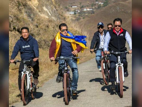 सलमान खान के साथ अरुणाचल प्रदेश के सीएम और किरण रिजिजू ने की साइकलिंग, ये था कारण