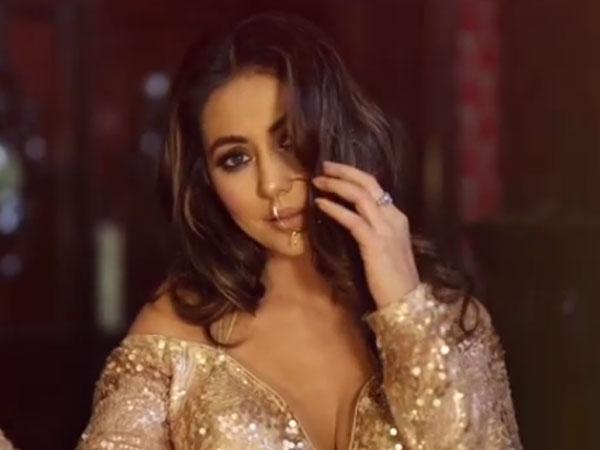 Hina Khan Bold: हिना खान का बोल्ड रॉयल Video देखकर फैंस का हंगामा, 7 तस्वीरें वायरल