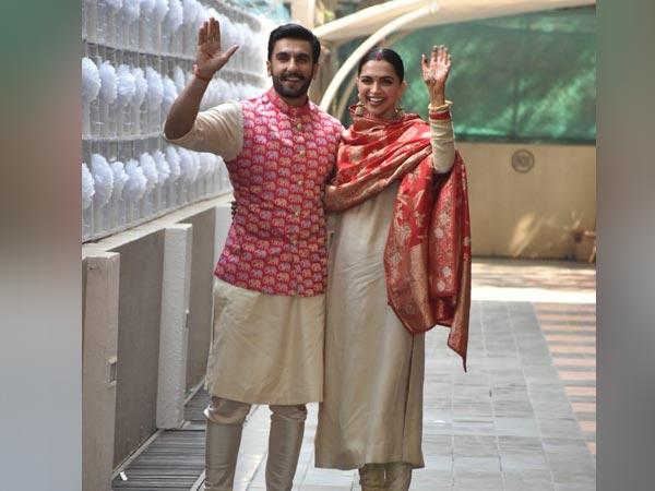 शादी के बाद मुंबई लौटे रणवीर सिंह और दीपिका पादुकोण, ढेर सारे कैमरों ने किया एयरपोर्ट पर स्वागत