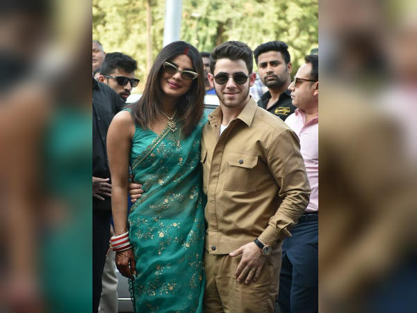 First Look: शादी के बाद निक जोनस- प्रियंका चोपड़ा की पहली झलक, शानदार कपल