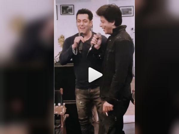 सलमान और शाहरुख की मस्ती एकदम शानदार, गाया 80s का ये सुपरहिट गाना