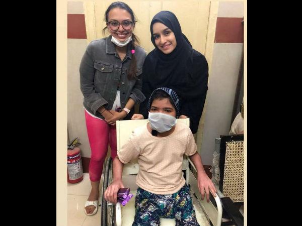 दरियादिल श्रद्धा कपूर बीमार फैन से मिलने अचानक अस्पताल पहुंची, टीबी की तीसरी स्टेज में है बच्ची