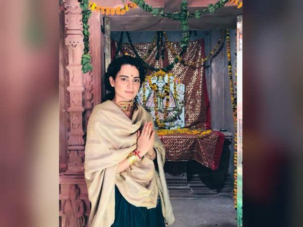 कंगना रनौत ने हिमांचल प्रदेश में बनवाया मंदिर, मत्था टेकने पहुंची तो जमकर किया डांस