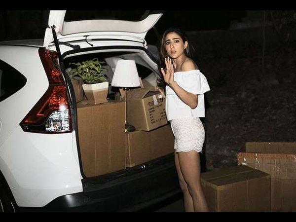 What! सारा अली खान ने छोड़ा मां अमृता सिंह का घर- गाड़ी में सामान रखकर निकल गईं-Photo