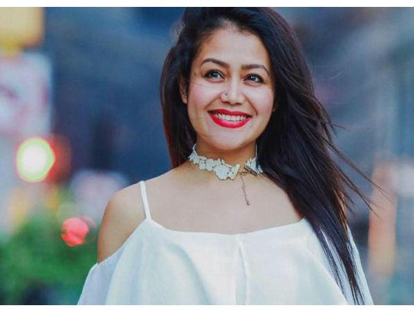 कोका कोला सांग पर नेहा कक्कड़ का सेक्सी ठुमका, फैंस ने कहा कातिलाना Video