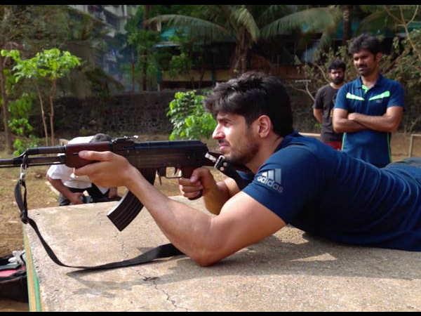कारगिर शेर शाह- फिल्म के लिए आर्मी ट्रेनिंग ले रहें हैं सिद्धार्थ मल्होत्रा- फोटो हो गई वायरल