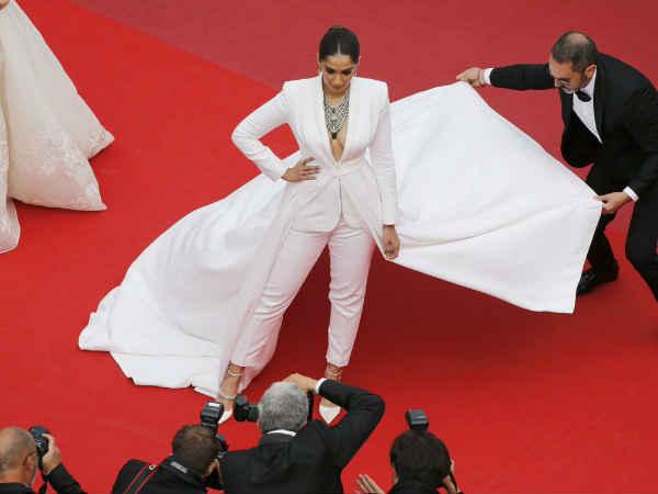 कान्स फिल्म फेस्टिवल 2019 - रेड कार्पेट पर जमी सोनम कपूर की हुकूमत, तस्वीरें होश उड़ा देंगी