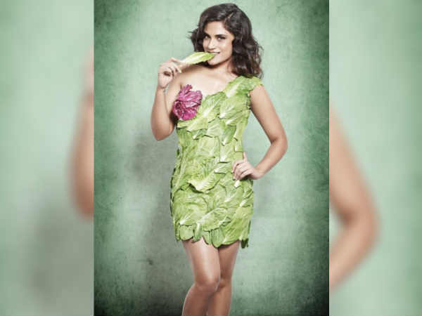 richa-chaddha-looks-hot-and-sexy-in-her-lettuce-leaf-dress-gets-trolled
