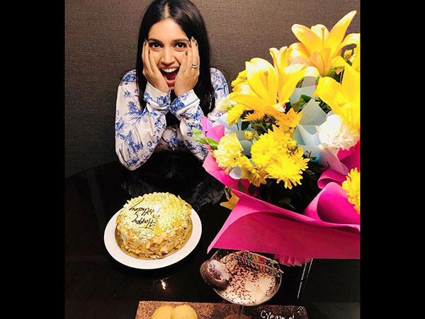 भूमि पेडनेकर ने कुछ इस तरह मनाया अपना Birthday- काम के बीच काटा केक