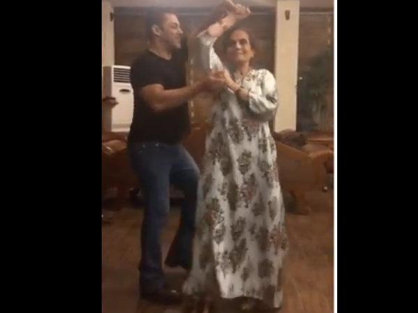 अपनी मां के साथ डांस करते दिख रहे हैं सुपरस्टार सलमान खान- जबरदस्त क्यूट VIDEO