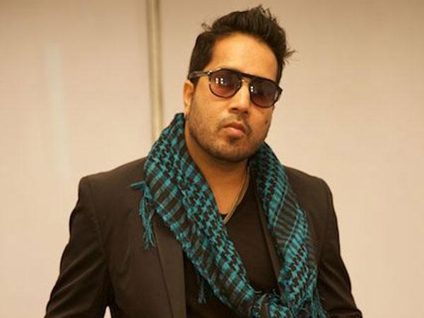पाकिस्तान में गाना गाने के बाद मीका सिंह ने तोड़ी चुप्पी, लोगों ने दी गाली और कहा पैसे के लिए