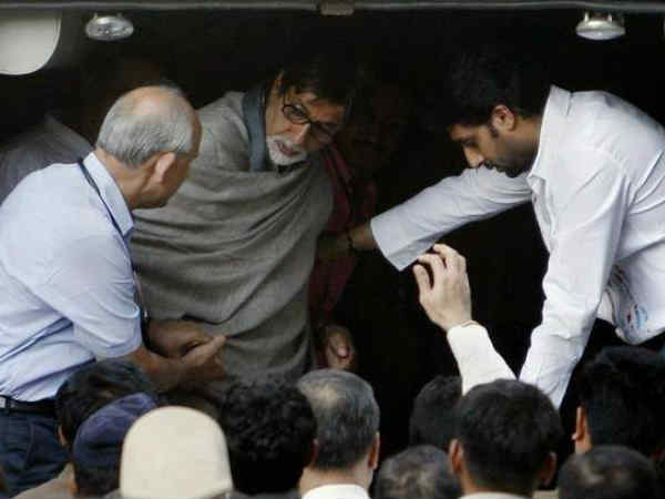 amitabh-bachchan-rushed-to-hospital-after-liver-dysfunction