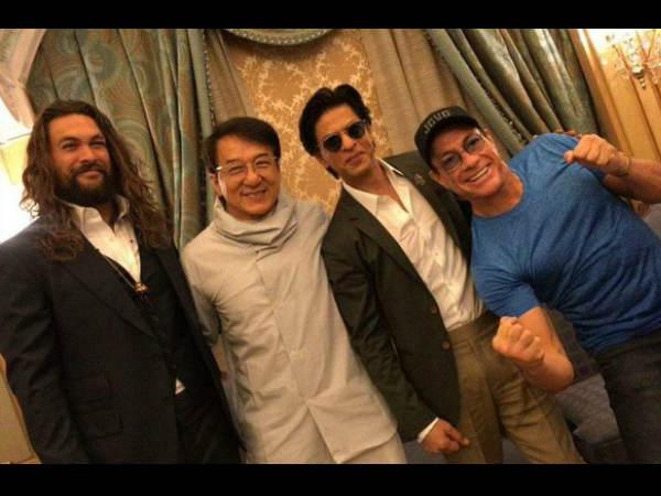 तीन इंटरनेशनल सुपरस्टार्स के साथ नजर आए शाहरुख खान- सोशल मीडिया पर तस्वीर वायरल