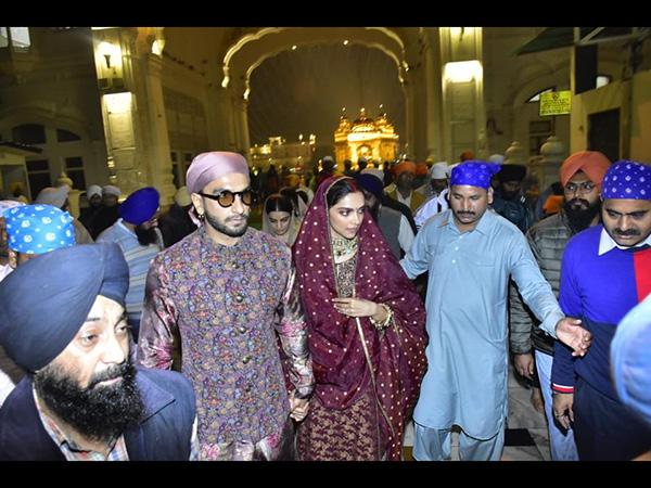 बालाजी के बाद स्वर्ण मंदिर पहुंचे रणवीर-दीपिका, शादी की पहली सालगिरह की तस्वीरें Viral