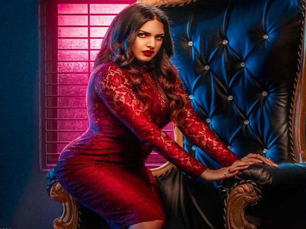 Bigg Boss 13 punjabi Singer himanshi khurana Bold pic viral - Hindi  Filmibeat