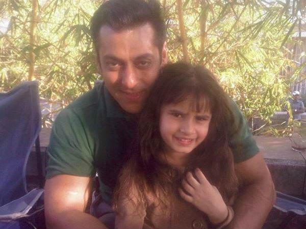 रवीना टंडन की बेटी के साथ सलमान खान की तस्वीर वायरल, एक्ट्रेस ने लिखी ये बात