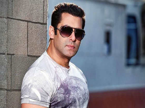 salman-khan-s-home-at-galaxy-apartments-gets-a-bomb-threat-cops-search-his-house