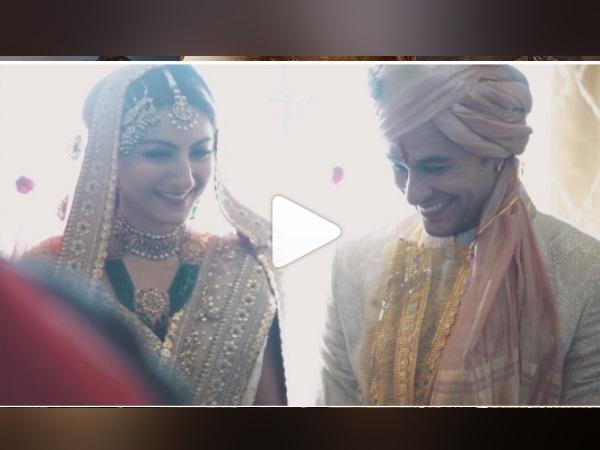Video: शादी की सालगिरह पर कुणाल खेमू और सोहा अली खान का रोमांटिक वीडियो वायरल