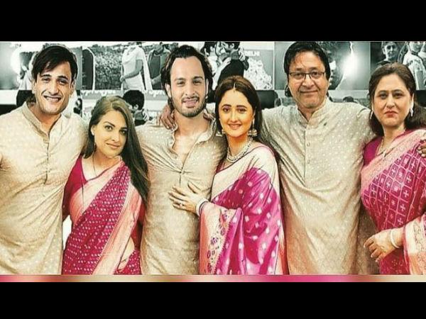 #UmRash: रश्मि देसाई और असीम के भाई उमर रियाज की रोमांटिक तस्वीरें वायरल, मजेदार !