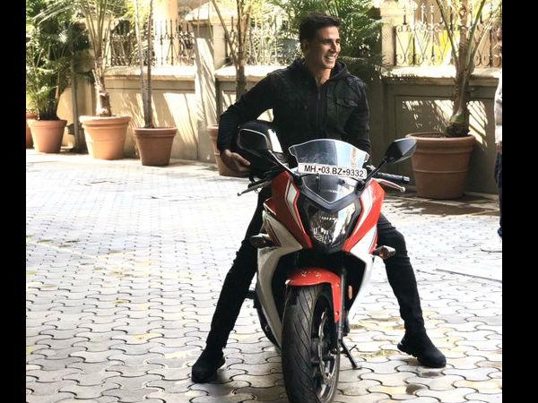 sooryavanshi Trailer Live: बाइक से अक्षय कुमार की धुआंधार एंट्री, फैंस ने कहा आग लगा दी