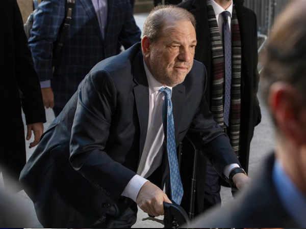 हॉलीवुड के बादशाह हार्वे विन्सटीन को यौन उत्पीड़न मामले में 23 साल की जेल | Harvey Weinstein booked for 23 years in jail for sexual assault and rapes