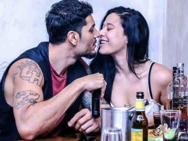 Lock down: बॉयफ्रेंड के साथ टाइगर की बहन कृष्णा श्रॉफ का ब्लैक बिकिनी वर्कआउट Video