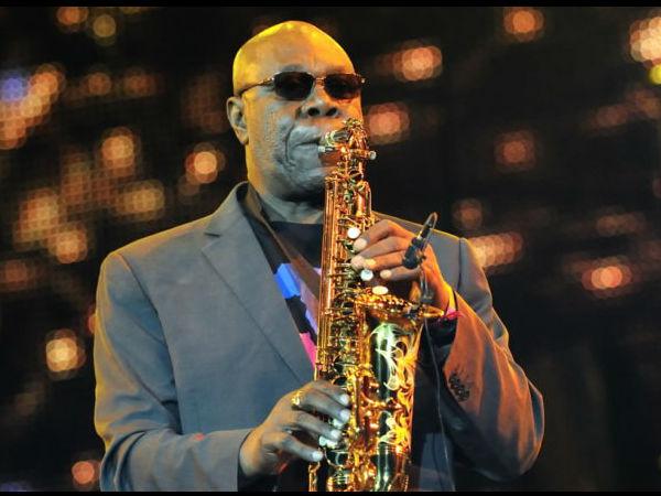 ग्लोबल स्टार मनु डिबैंगो का कोविड 19 से निधन Manu Dibango Soulful Ambassador of African Music, Dies at 86 due to Covid-19