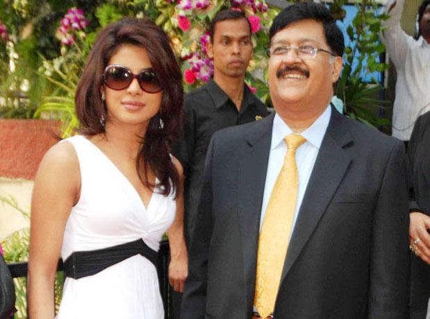 16 साल की उम्र में लड़के मेरा पीछा करते, पापा टाइट कपड़े नहीं पहनने देते- प्रियंका चोपड़ा