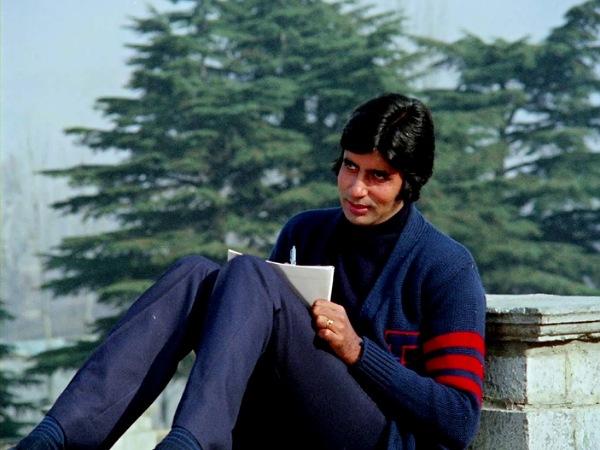 अमिताभ बच्चन ने शेयर की फिल्म सेट से 44 साल पुरानी फोटो- कहा,