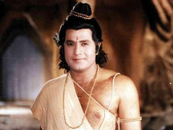 लोग मर रहे हैं, जनता को रामायण-महाभारत शो की अफीम पिलाई जा रही है, सुप्रीम कोर्ट में बवाल !