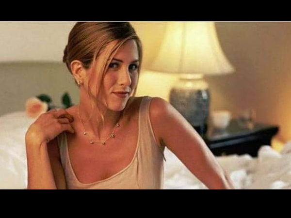 हॉलीवुड स्टार जेनिफर एनिस्टन की न्यूड तस्वीर की कोरोना के लिए नीलामी Hollywood star jennifer aniston auction her nude photos for Corona Virus fund