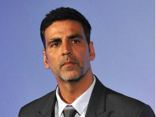 हेलीकॉप्टर से नासिक गए थे अक्षय कुमार, उठे सवाल- मंत्री ने कहा, 'जांच होगी, किसकी इज़ाजत से गए थे?'