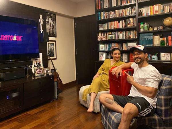 लूटकेस' के दमदार रिव्यू, कुणाल केमू ने 'पति, पत्नी और....' के साथ देखी फ़िल्म, पहचानों कौन?