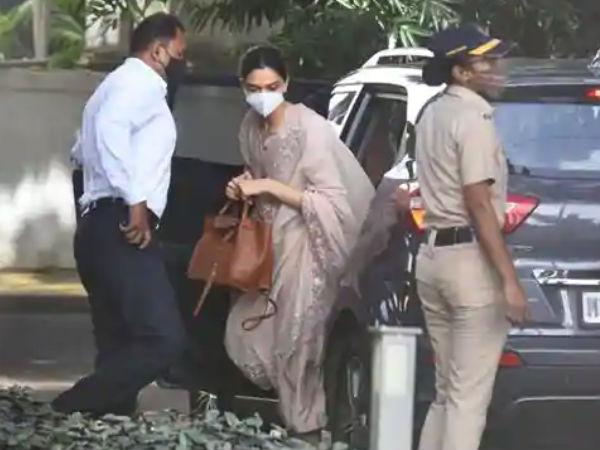 एनसीबी दफ्तर पहुंची दीपिका पादुकोण, सामने आई तस्वीर, ड्रग्स मामले में होगी पूछताछ