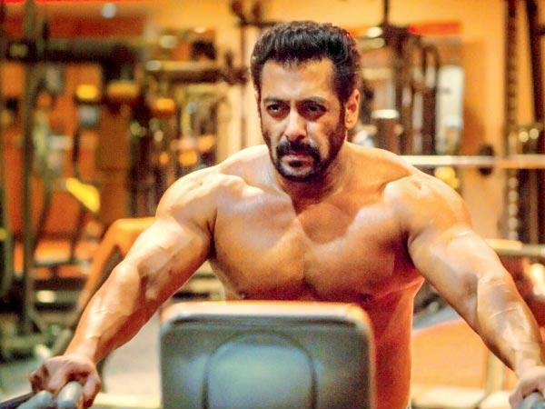 सलमान खान ने अपने यूट्यूब चैनल पर फिटनेस वीडियो 'बीइंग स्ट्रांग' किया रिलीज, धड़ल्ले से वायरल