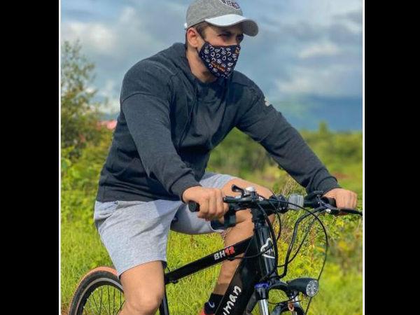 मास्क पहनकर साइकलिंग करते नजर आए सलमान खान, धड़ल्ले से वायरल हुईं तस्वीरें