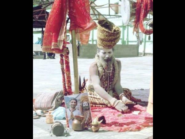 नागा साधु ने सुशांत सिंह राजपूत की आत्मा की शांति के लिए की प्रार्थना, वायरल हो रही है तस्वीर